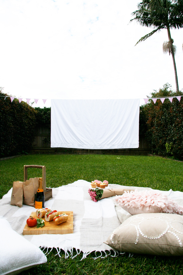 DIY Mothers Day Outdoor Cinema Picnic