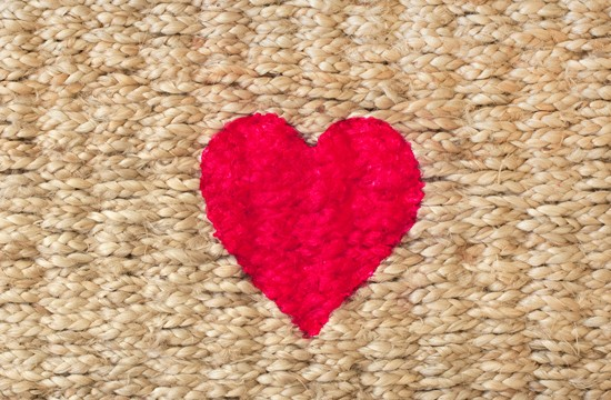 Heart Welcome Rug DIY | Pretty Fluffy