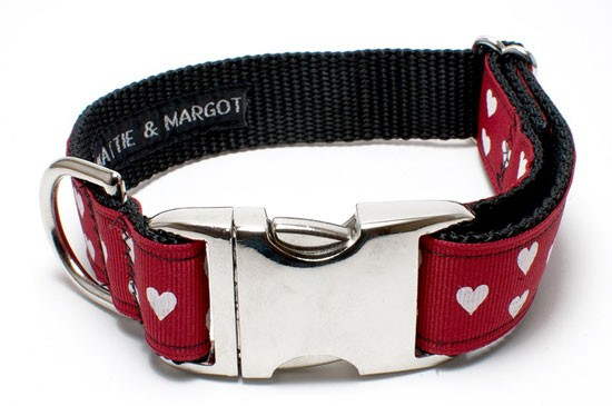 Love-Heart-Dog-Collar-by-Mattie-+-Margot-_-Pretty-Fluffy