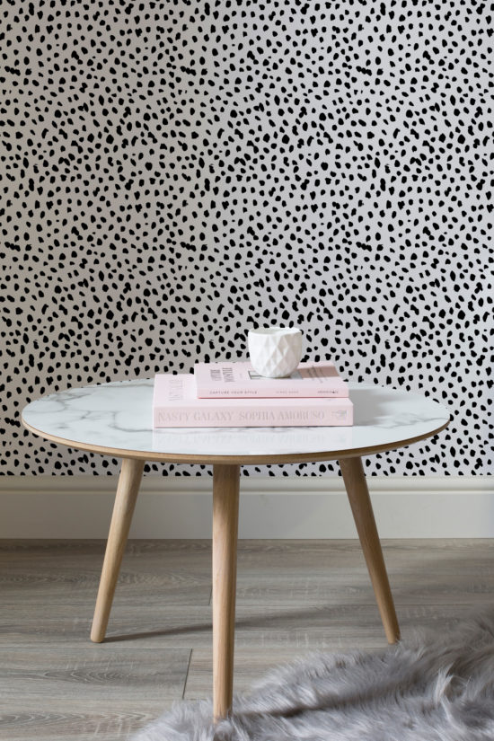 So COOL. The Dalmatian wallpaper pattern is inspired by the iconic Dalmatian, using speckles and spots to make a strikingly stylish statement.