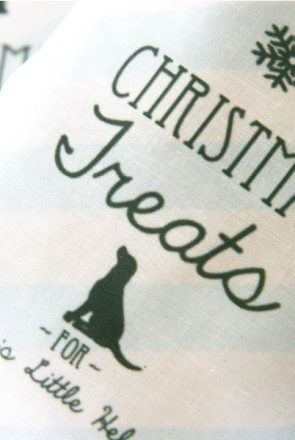 DIY Christmas Dog Treat Bags | Pretty Fluffy