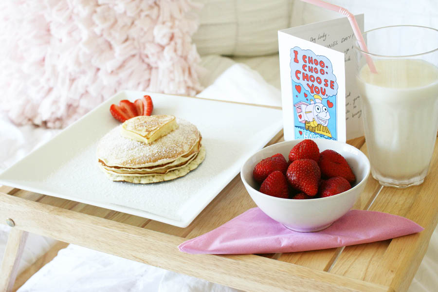 DIY Valentine Brunch | Pretty Fluffy