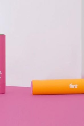 Meet the award-winning, beautifully-redesigned, travel-size retractable, refillable Flint lint roller - the modern lint roller for stylish pet owners.